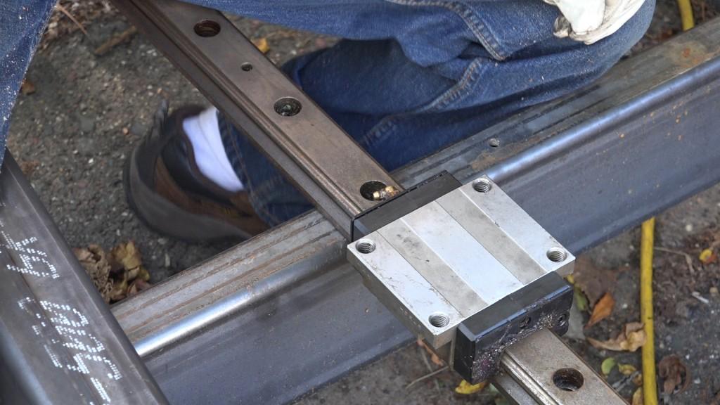 2-linear-bearings
