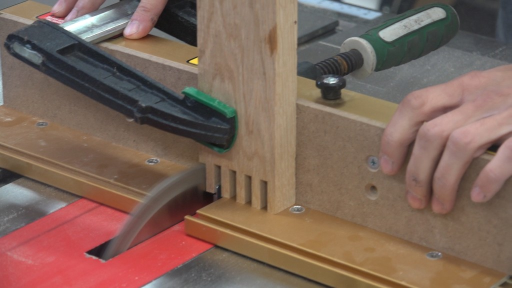 33-cutting-box-joints