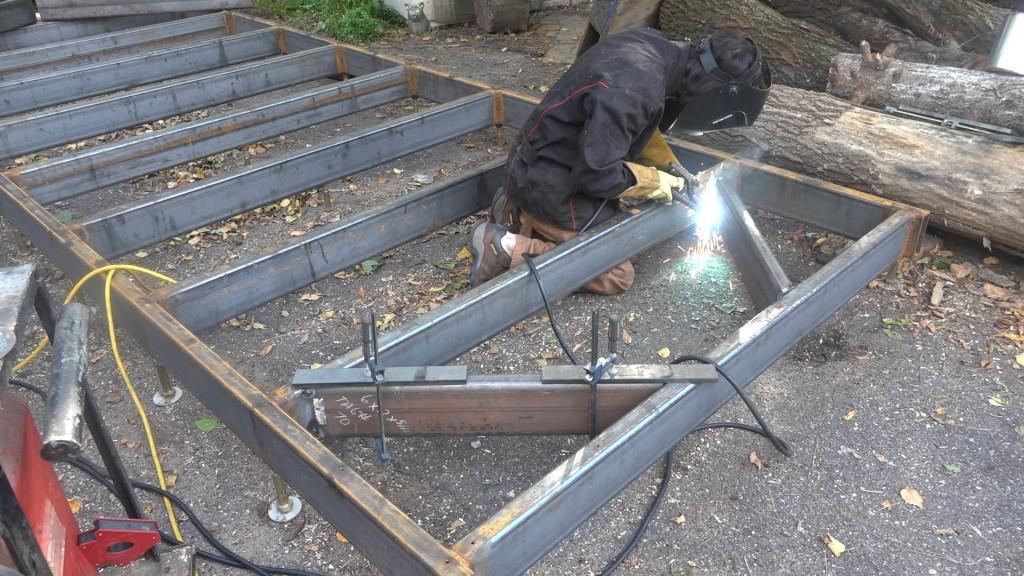 4-installing-bracing