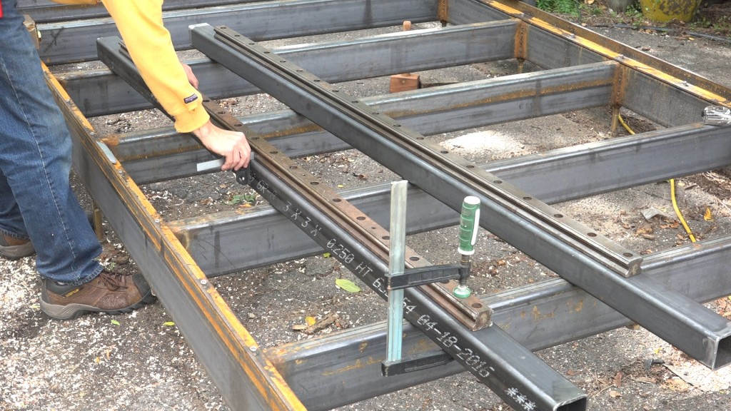 5-aligning-the-rail-onto-the-upright