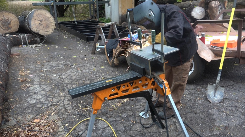 6-welding-the-plate-onto-the-box