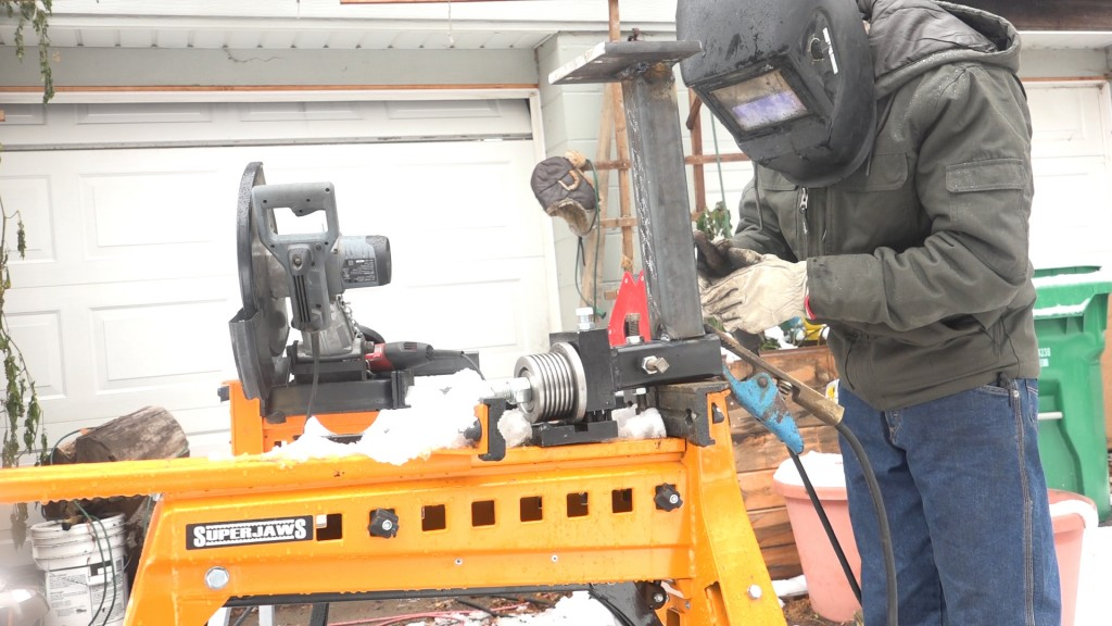 11-welding-the-post-onto-the-guide