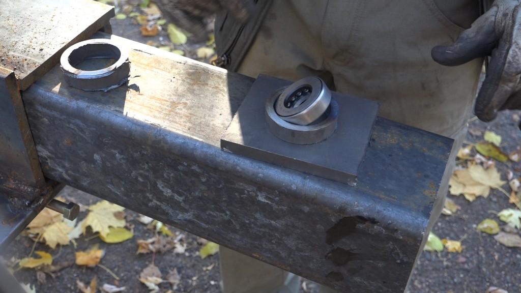 3-bearing-holder